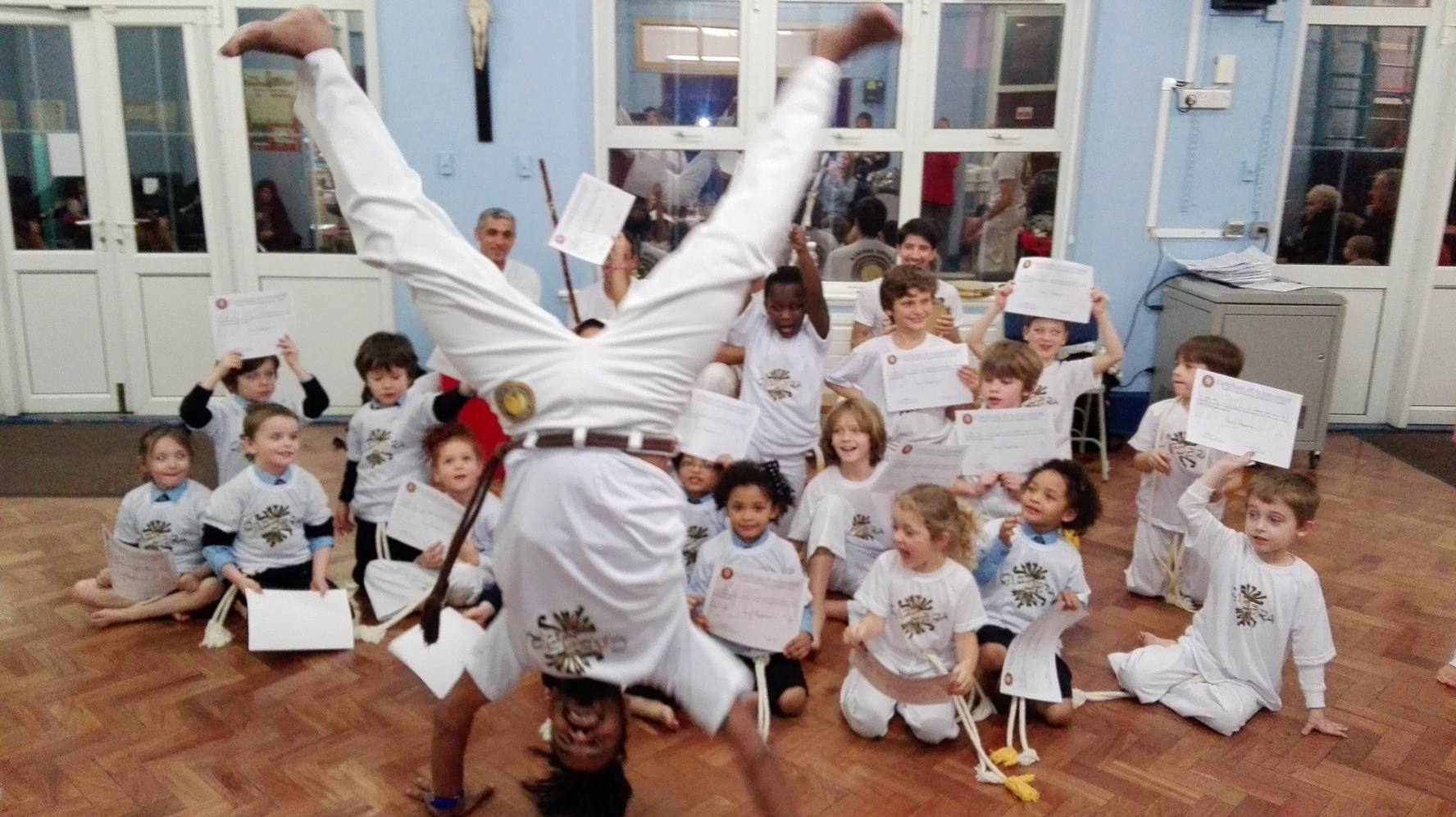 Children play capoeira too